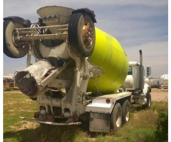 2003 Mack CV513 Mixer Truck 1