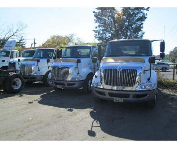 2011 International 8600 Day Cab 4