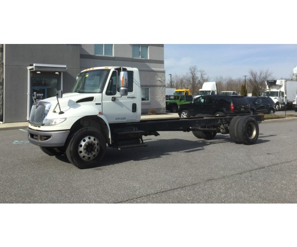 2013 International 4400 Cab&Chassis