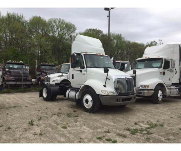 2007 International 8600 Day Cab 2