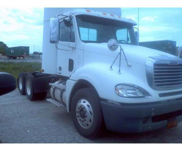 2009 Freightliner Columbia Daycabs 1