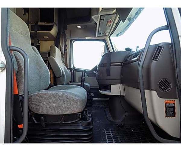 2012 Volvo VNL 6705