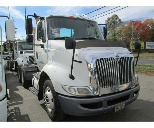 2011 International 8600 Day Cab