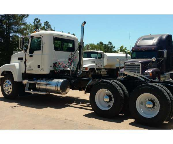 2014 Mack CHU613 Day Cab 1