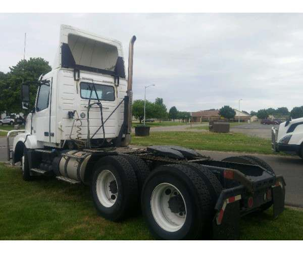 2012 Volvo VNL 300 Day Cab in MI
