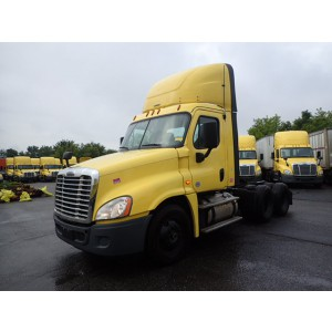2016 Freightliner Cascadia Day Cab