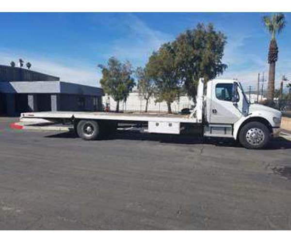 2007 Freightliner M2 Flatbed Truck 3