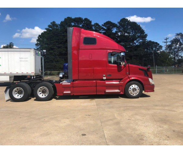 2014 Volvo VNL 670 in TN