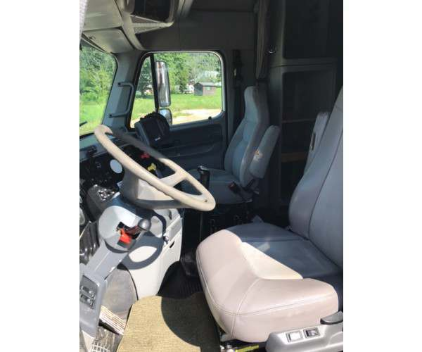 2007 Freightliner Columbia in OH