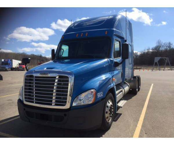 2009 Freightliner Cascadia with DD15 and APU, wholesale, NCL Truck Sales