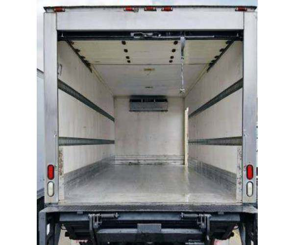2009 International 4400 Reefer Truck 8