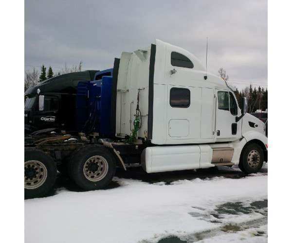 2013 Peterbilt 587 in Minnesota, paccar engine, wholesale, NCL Trucks