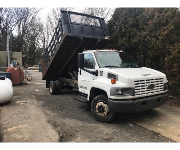2002 Chevrolet C5500 Stake Truck in NJ
