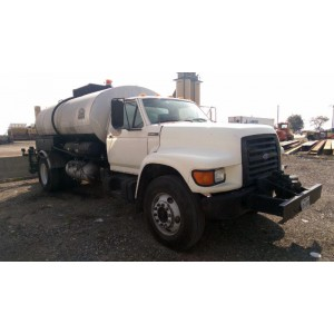 1997 Ford F800 Asphalt Distributor Truck in TX