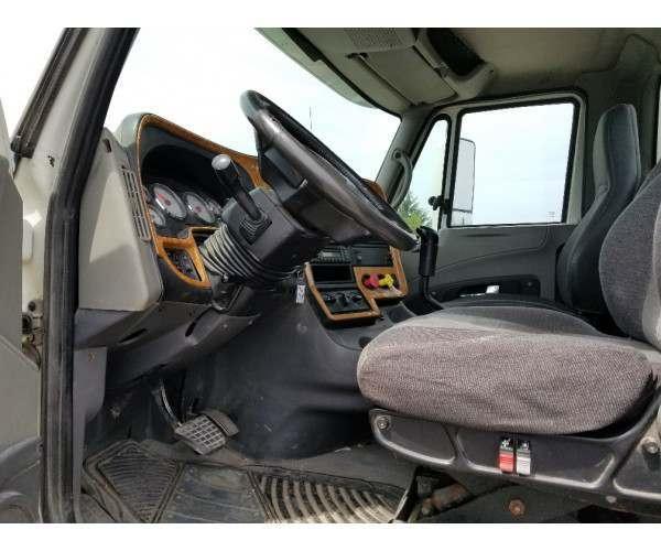 2008 International Prostar Day Cab in Canada