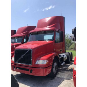 2014 Volvo VNM 200 Day Cab in TX