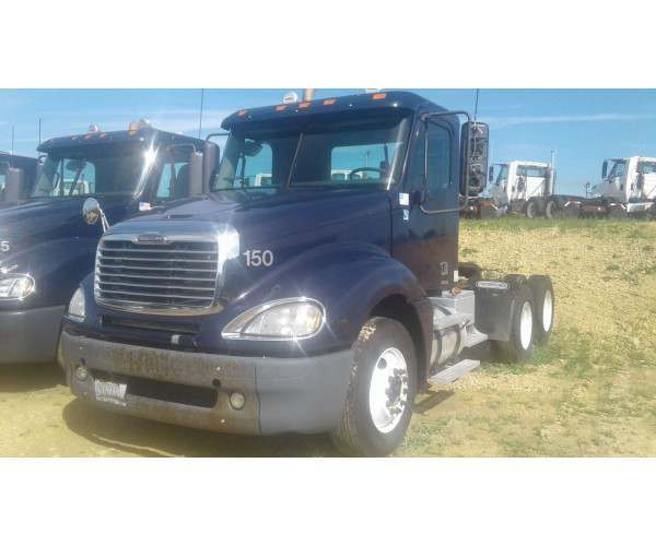 2008 Freightliner Columbia Day Cab 3