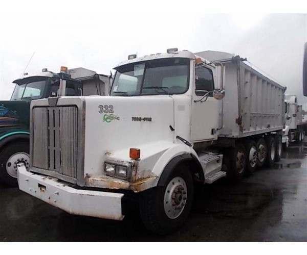 2000 Western Star 4964SX Dump Truck 3