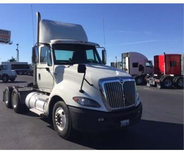2013 International Prostar Day Cab2