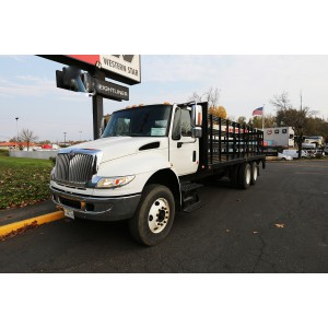 2006 International Stake Truck in OR