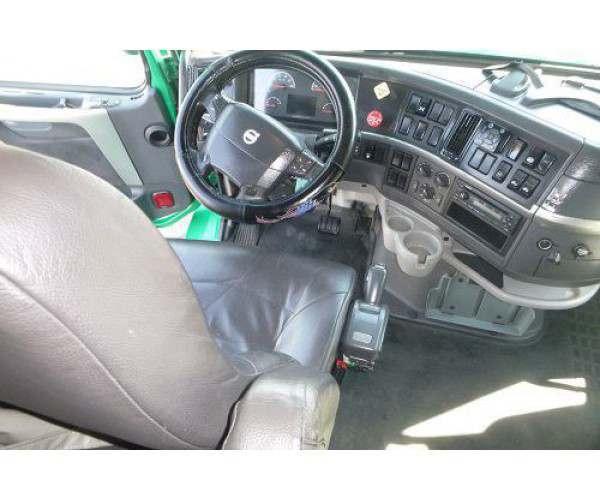 2011 Volvo 780- interior- NCL Truck Sales