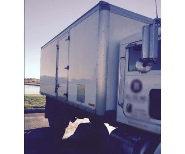 2007 Peterbilt Box Truck 2