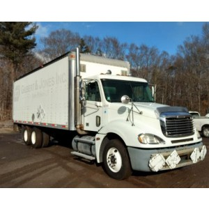 2007 Freightliner Columbia Box Truck in CT