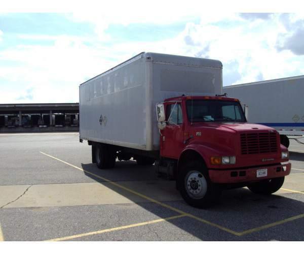 2000 International 4700 Straight Truck