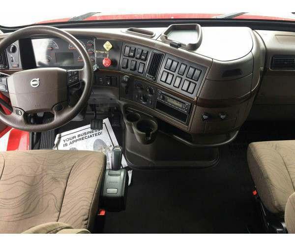 2014 Volvo VNL 670 4