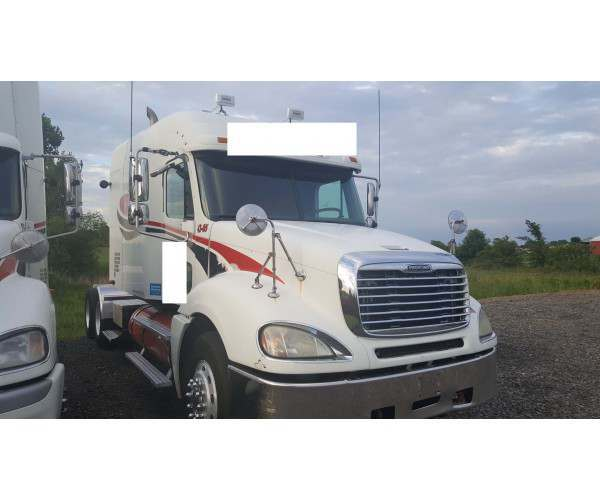 2005 Freightliner COLUMBIA with C13 engine