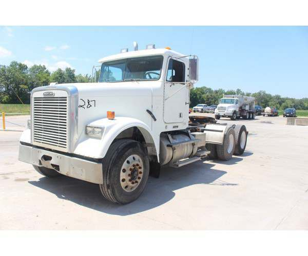 2003 Freightliner FLD120 Day Cab in IL