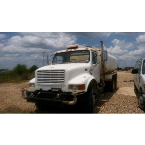 1999 International 4900 Water Tank Truck in TX