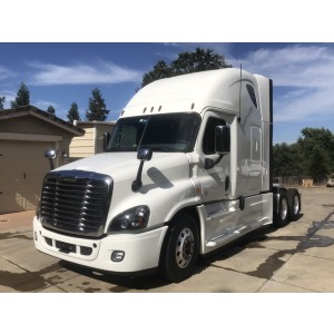 2018 Freightliner Cascadia in CA