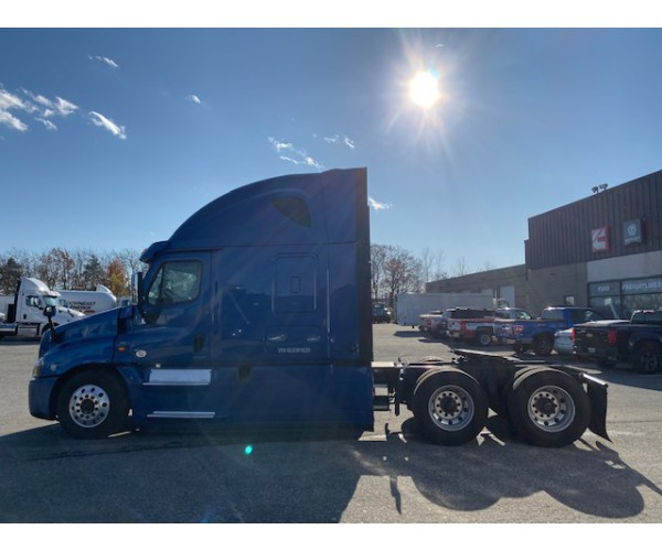 2016 Freightliner Cascadia in ME