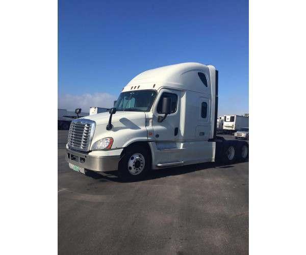 2016 Freightliner Cascadia in FL