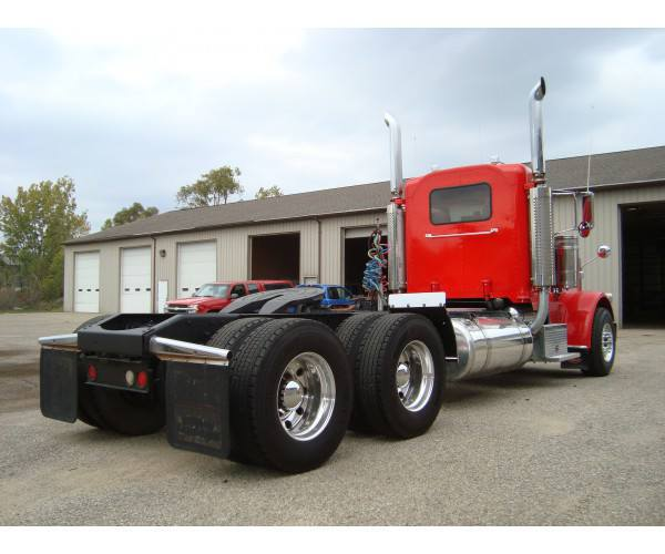 2008 Peterbilt 388 Day Cab 8