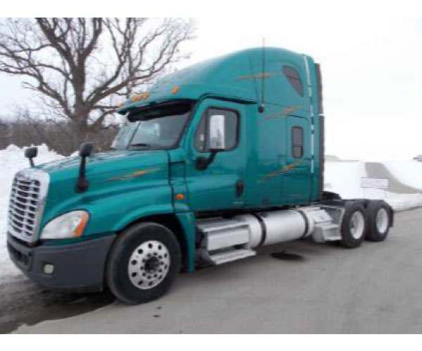2010 Freightliner Cascadia with DD15, 10 speed, in Minnesota, wholesale, ncl trucks