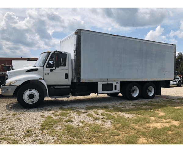 2003 International 4400 Box Truck in AL