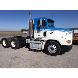 2001 Freightliner FLD112 Day Cab in OK
