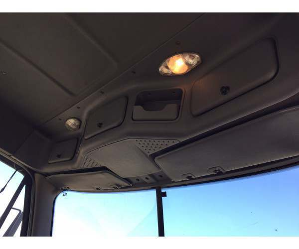 2009 Freightliner Cascadia Day Cab 7