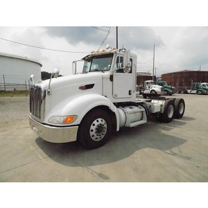 2011 Peterbilt 386 Day Cab in PA