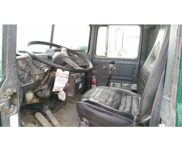 1996 Mack RD690S Mixer Truck 6
