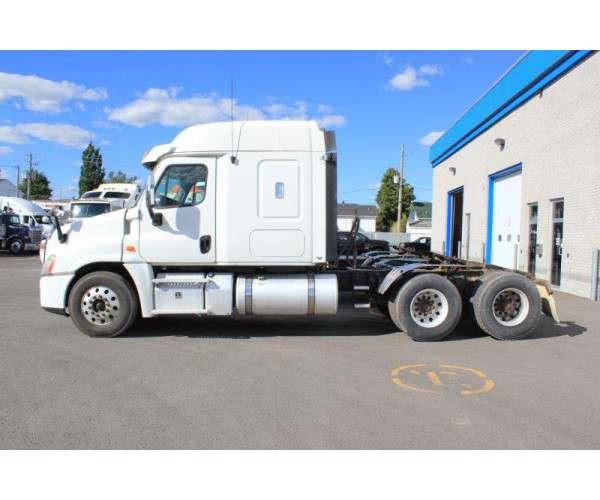 2013 Freightliner Cascadia in Canada
