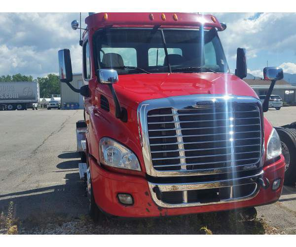 2014 Freightliner Cascadia Day Cab5