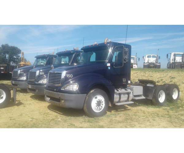 2008 Freightliner Columbia Day Cab 1