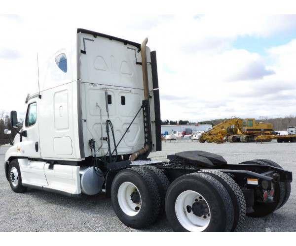 2014 Freightliner Cascadia 3