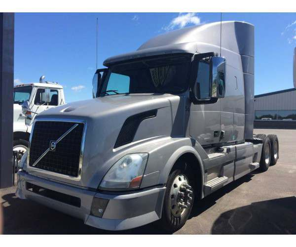 2013 Volvo VNL 630 in MO