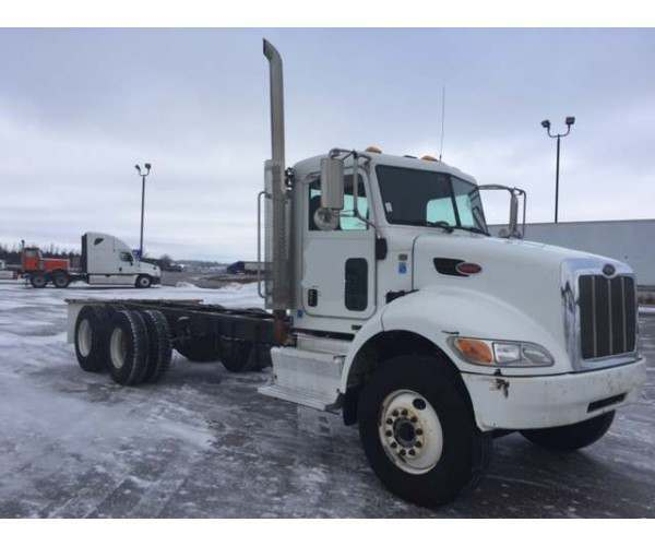 2012 Peterbilt 348 Day Cab 1