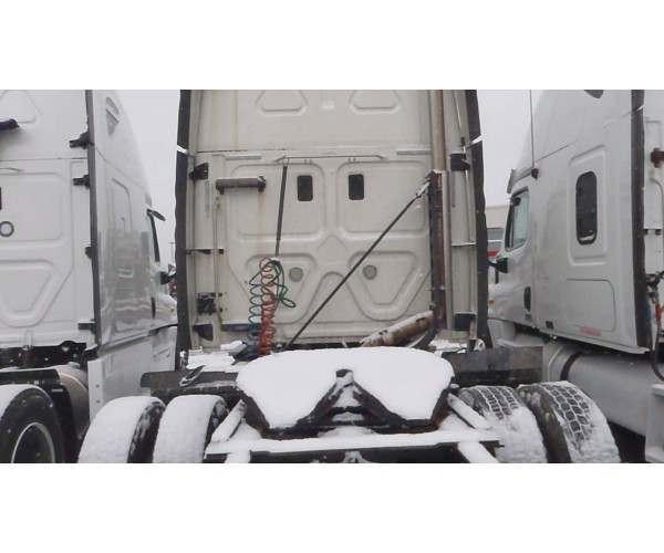 2011 Freightliner Cascadia 6