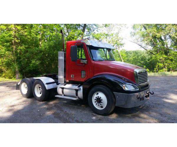 2010 Freightliner Columbia Day Cab in New Jersey, wholesale truck, ncl truck sales